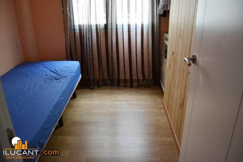 Alicante,Alicante,España,3 Bedrooms Bedrooms,1 BañoBathrooms,Pisos,12720