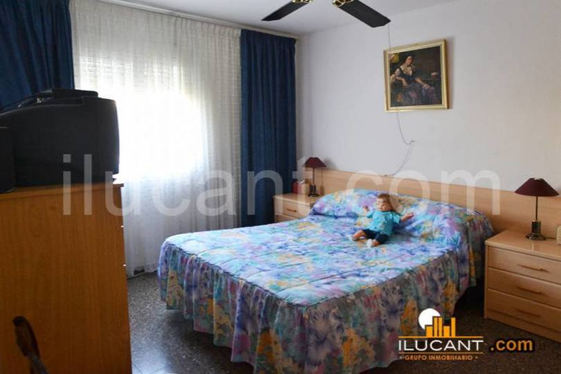 Alicante,Alicante,España,3 Bedrooms Bedrooms,1 BañoBathrooms,Pisos,12721
