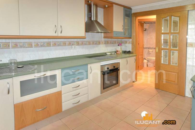 Alicante,Alicante,España,4 Bedrooms Bedrooms,2 BathroomsBathrooms,Pisos,12722