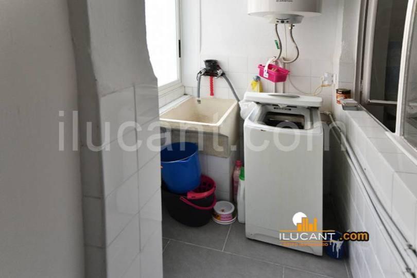 Alicante,Alicante,España,3 Bedrooms Bedrooms,1 BañoBathrooms,Pisos,12725