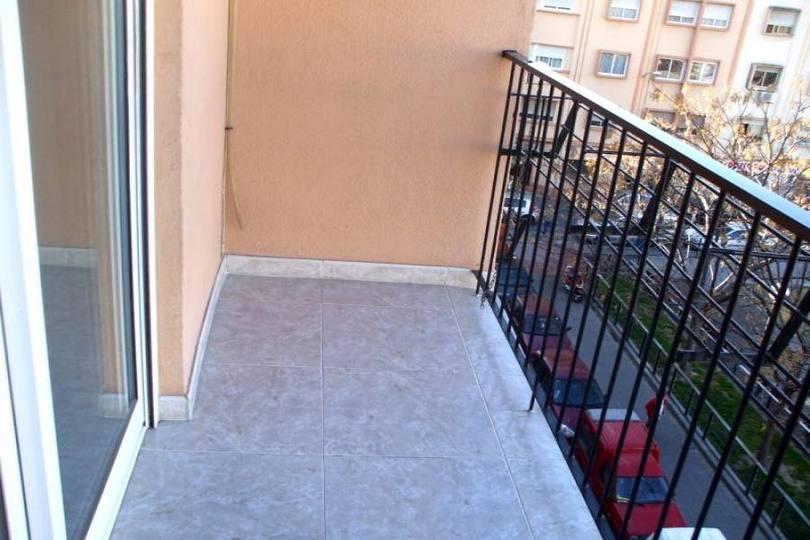 Alicante,Alicante,España,3 Bedrooms Bedrooms,2 BathroomsBathrooms,Pisos,12729
