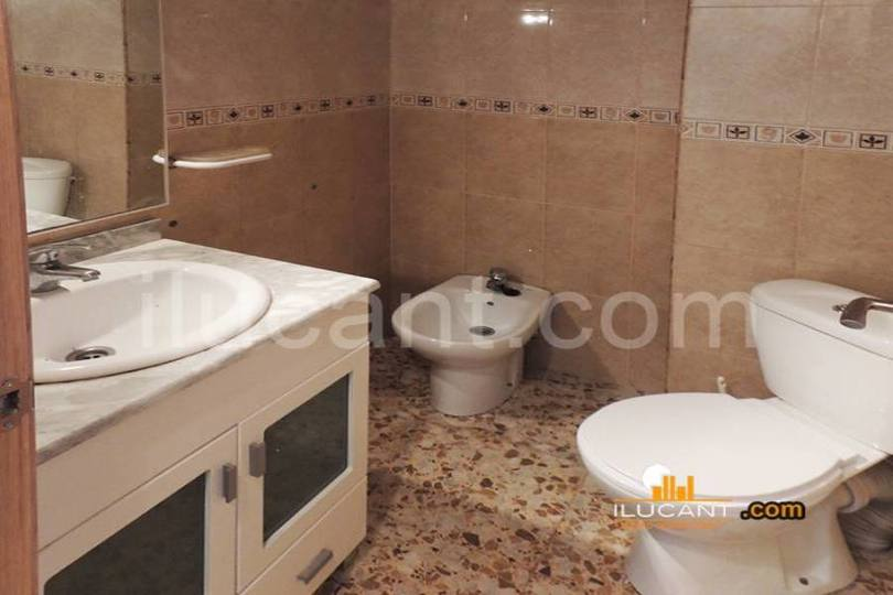 Alicante,Alicante,España,4 Bedrooms Bedrooms,2 BathroomsBathrooms,Pisos,12730