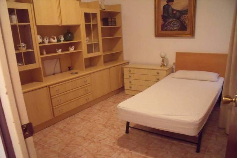 Alicante,Alicante,España,3 Bedrooms Bedrooms,2 BathroomsBathrooms,Pisos,12733