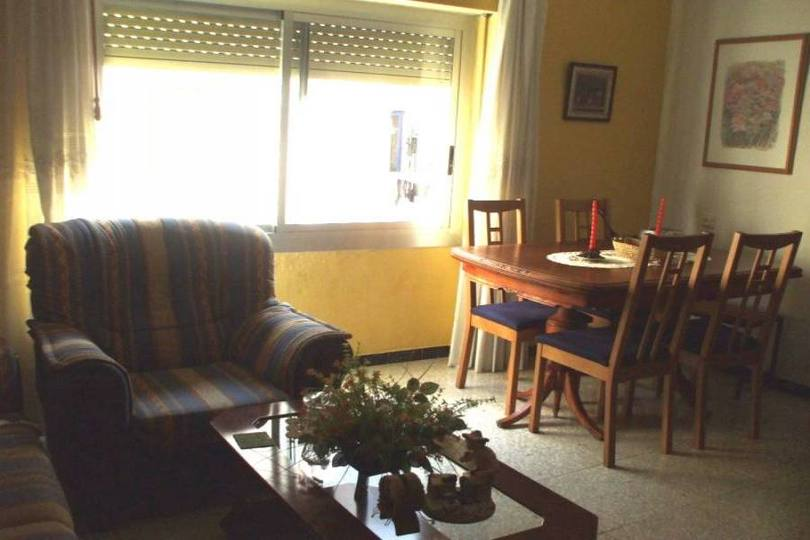 Alicante,Alicante,España,4 Bedrooms Bedrooms,1 BañoBathrooms,Pisos,12736