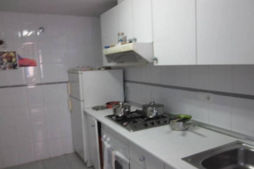 Alicante,Alicante,España,4 Bedrooms Bedrooms,2 BathroomsBathrooms,Pisos,12742