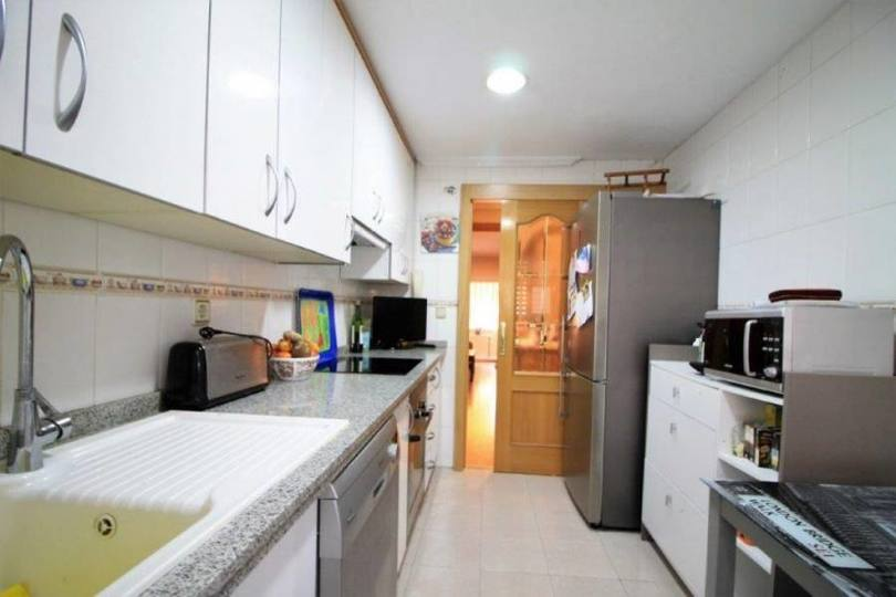 Alicante,Alicante,España,4 Bedrooms Bedrooms,2 BathroomsBathrooms,Pisos,13856
