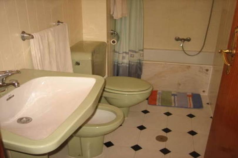 Alicante,Alicante,España,4 Bedrooms Bedrooms,2 BathroomsBathrooms,Pisos,13872