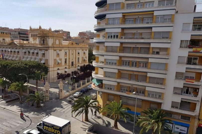 Alicante,Alicante,España,3 Bedrooms Bedrooms,1 BañoBathrooms,Pisos,13900