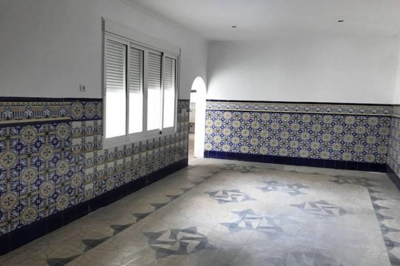 Orihuela,Alicante,España,5 Bedrooms Bedrooms,1 BañoBathrooms,Pisos,13901