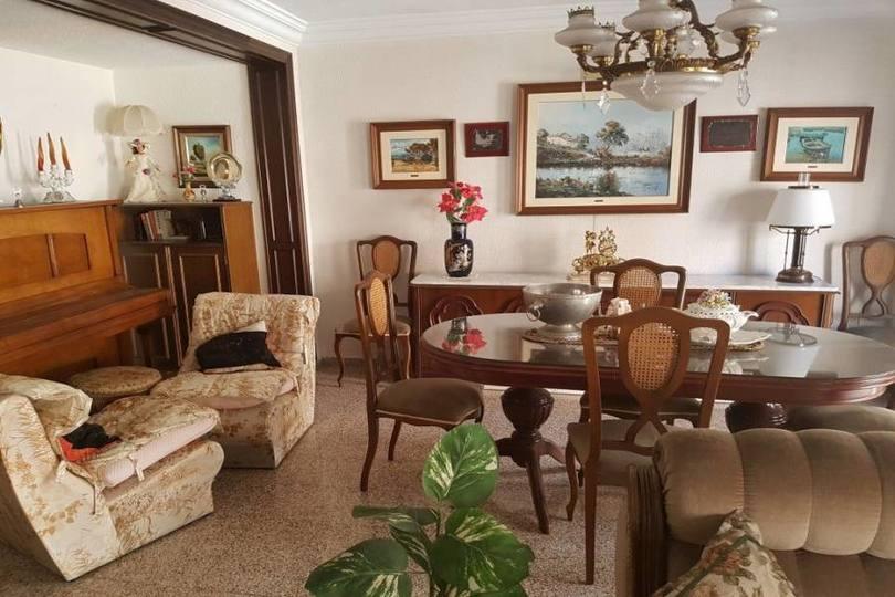 Alicante,Alicante,España,4 Bedrooms Bedrooms,2 BathroomsBathrooms,Pisos,13911