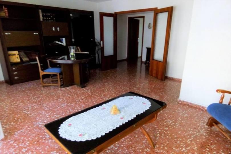Alicante,Alicante,España,4 Bedrooms Bedrooms,1 BañoBathrooms,Pisos,13948