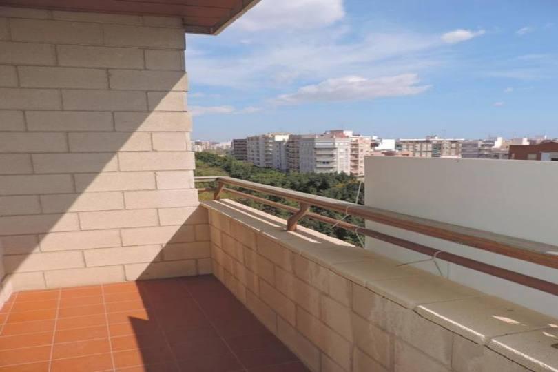 Elche,Alicante,España,5 Bedrooms Bedrooms,2 BathroomsBathrooms,Pisos,14195