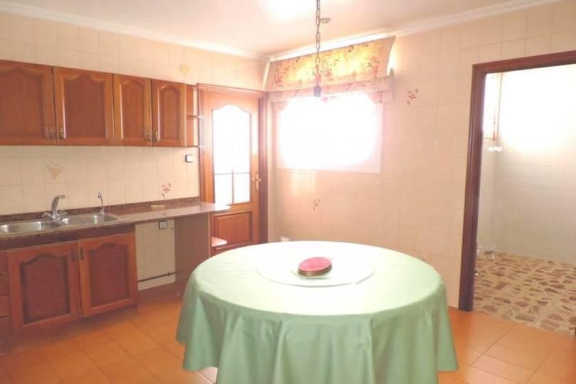 Elche,Alicante,España,5 Bedrooms Bedrooms,2 BathroomsBathrooms,Pisos,14196