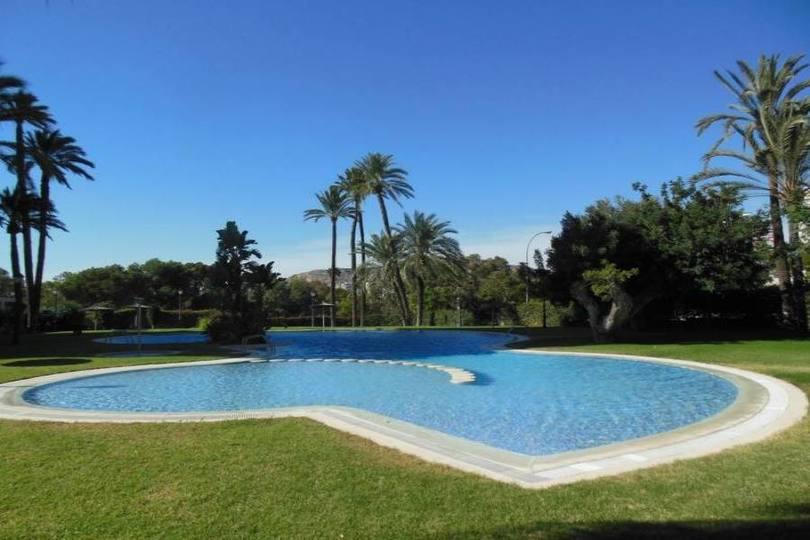 Alicante,Alicante,España,4 Bedrooms Bedrooms,2 BathroomsBathrooms,Pisos,14201