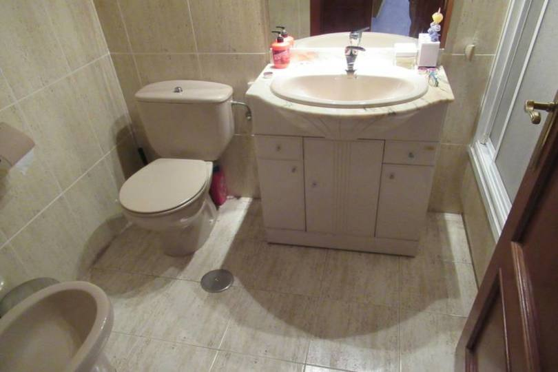 Alicante,Alicante,España,3 Bedrooms Bedrooms,2 BathroomsBathrooms,Pisos,14202