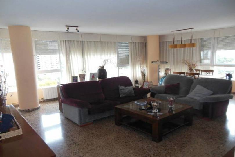 Alicante,Alicante,España,3 Bedrooms Bedrooms,2 BathroomsBathrooms,Pisos,14207
