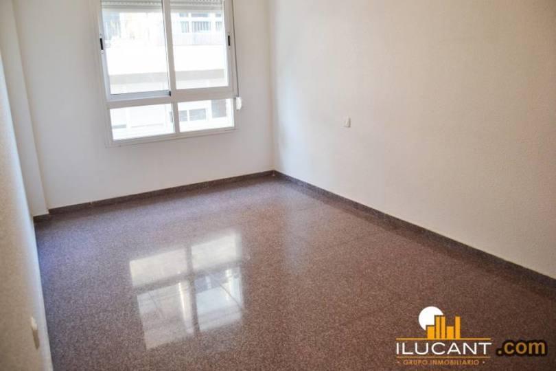 Alicante,Alicante,España,3 Bedrooms Bedrooms,2 BathroomsBathrooms,Pisos,14213