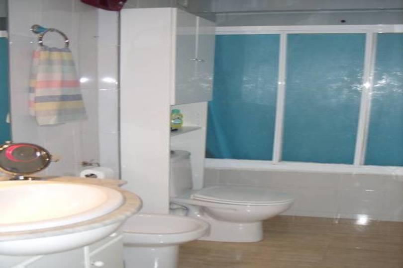 Alicante,Alicante,España,3 Bedrooms Bedrooms,1 BañoBathrooms,Pisos,14215