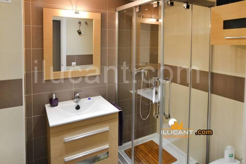 Alicante,Alicante,España,3 Bedrooms Bedrooms,2 BathroomsBathrooms,Pisos,14219