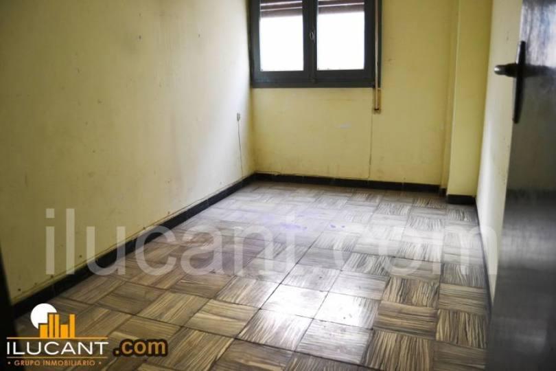 Alicante,Alicante,España,3 Bedrooms Bedrooms,1 BañoBathrooms,Pisos,14223