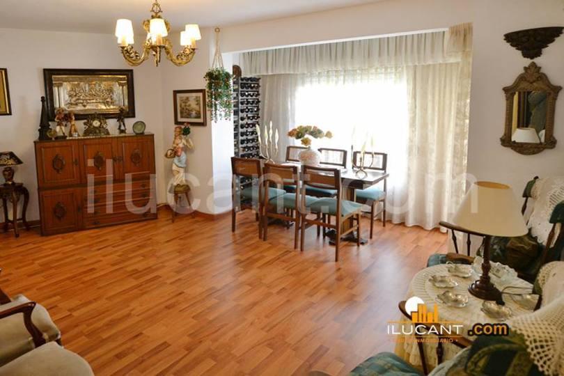 Alicante,Alicante,España,4 Bedrooms Bedrooms,2 BathroomsBathrooms,Pisos,14233