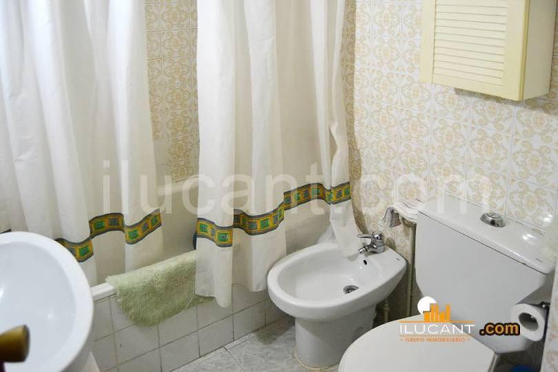 Alicante,Alicante,España,3 Bedrooms Bedrooms,1 BañoBathrooms,Pisos,14235