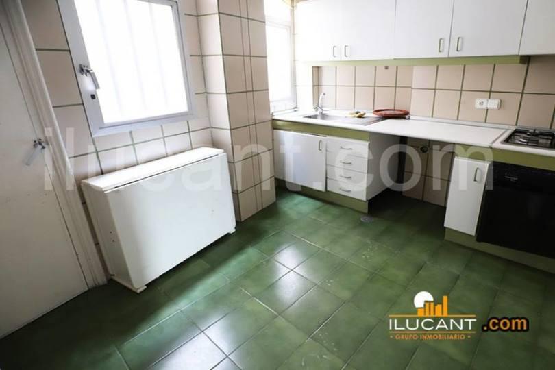 Alicante,Alicante,España,3 Bedrooms Bedrooms,1 BañoBathrooms,Pisos,14241