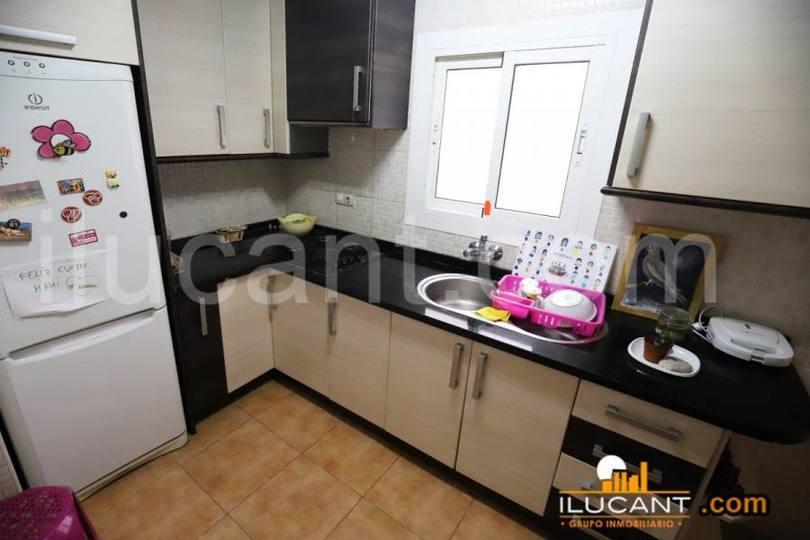 Alicante,Alicante,España,4 Bedrooms Bedrooms,2 BathroomsBathrooms,Pisos,14246