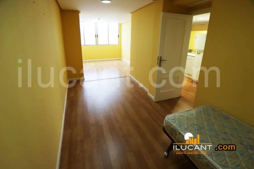 Alicante,Alicante,España,3 Bedrooms Bedrooms,2 BathroomsBathrooms,Pisos,14252
