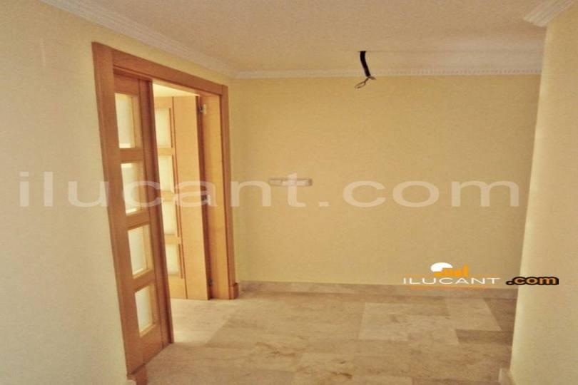 Alicante,Alicante,España,3 Bedrooms Bedrooms,2 BathroomsBathrooms,Pisos,14255