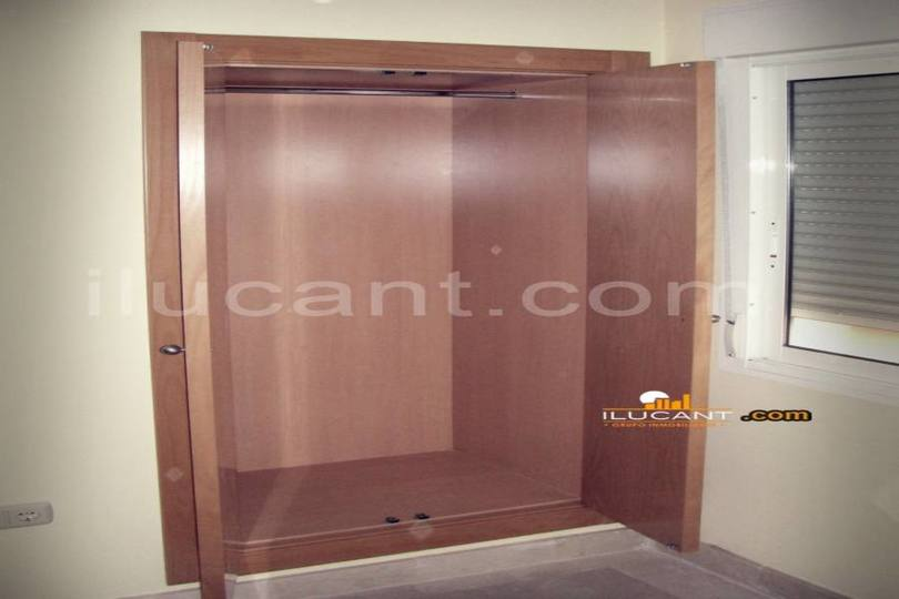 Alicante,Alicante,España,3 Bedrooms Bedrooms,2 BathroomsBathrooms,Pisos,14256