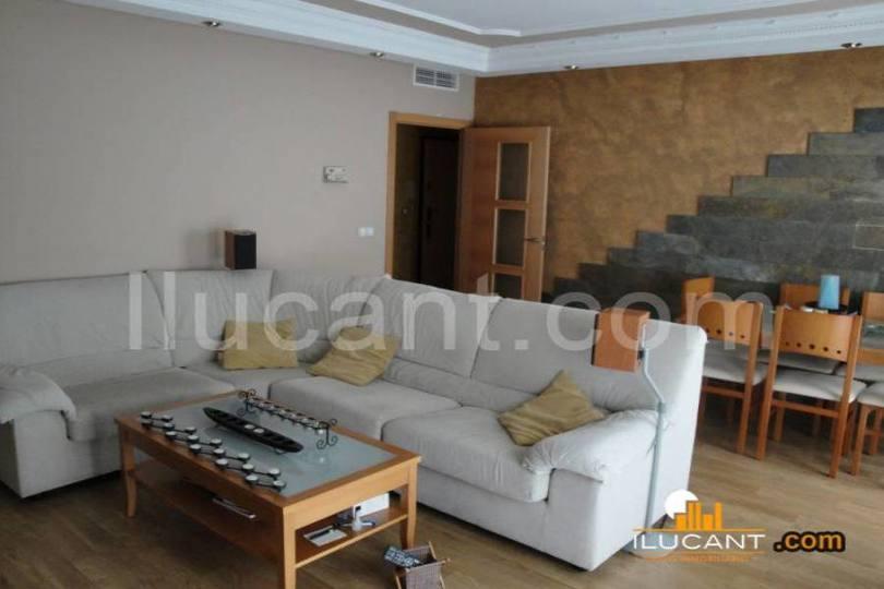 Alicante,Alicante,España,3 Bedrooms Bedrooms,2 BathroomsBathrooms,Pisos,14258