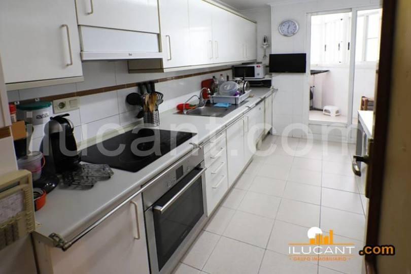Alicante,Alicante,España,4 Bedrooms Bedrooms,2 BathroomsBathrooms,Pisos,14259