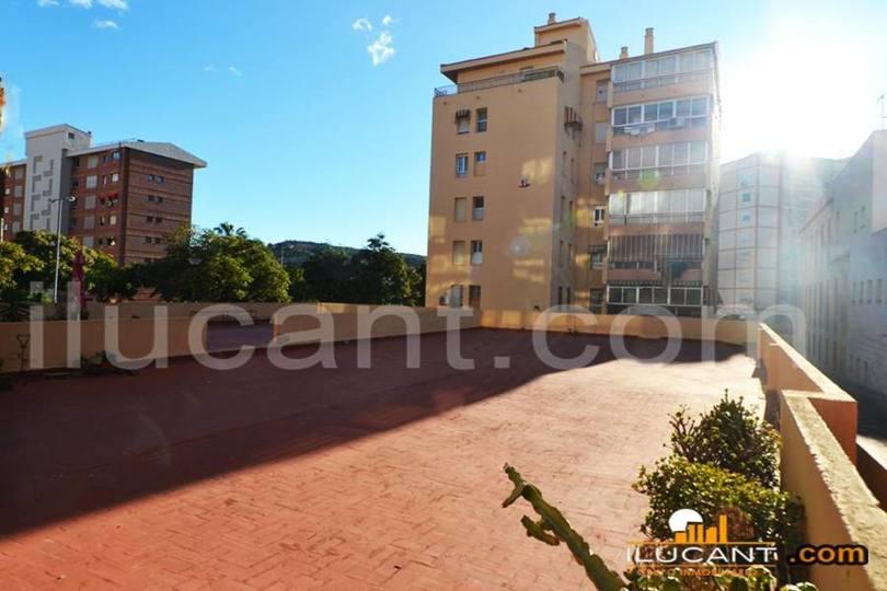 Alicante,Alicante,España,3 Bedrooms Bedrooms,2 BathroomsBathrooms,Pisos,14260