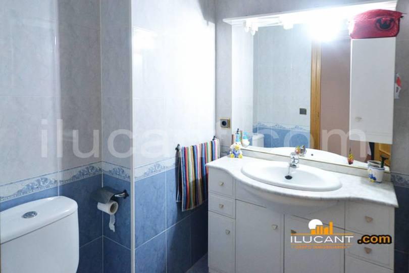 Alicante,Alicante,España,3 Bedrooms Bedrooms,2 BathroomsBathrooms,Pisos,14271
