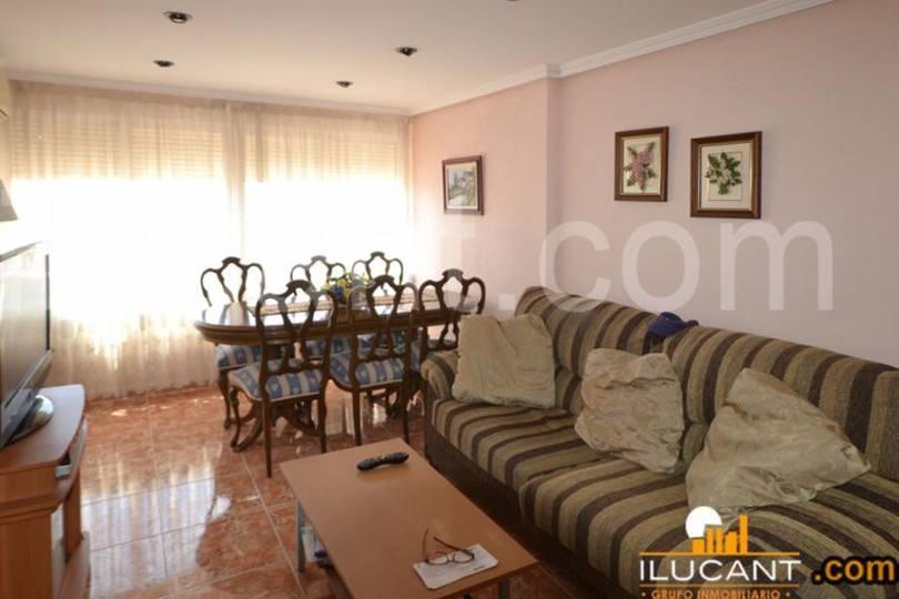 Alicante,Alicante,España,3 Bedrooms Bedrooms,1 BañoBathrooms,Pisos,14278