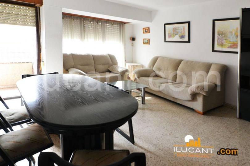 Alicante,Alicante,España,4 Bedrooms Bedrooms,2 BathroomsBathrooms,Pisos,14283