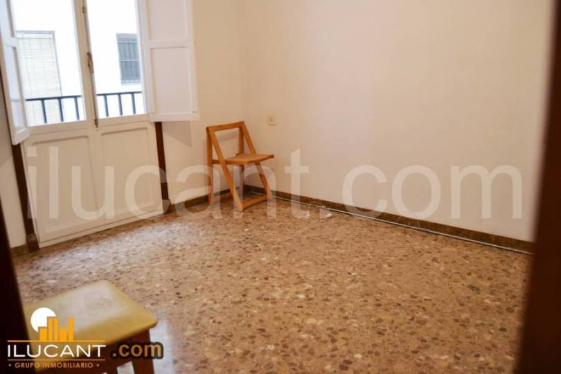 Alicante,Alicante,España,3 Bedrooms Bedrooms,2 BathroomsBathrooms,Pisos,14286