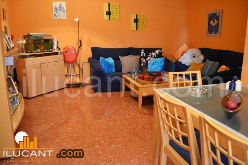 Alicante,Alicante,España,3 Bedrooms Bedrooms,2 BathroomsBathrooms,Pisos,14289