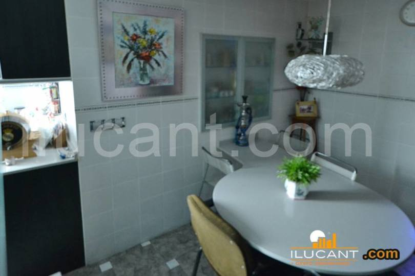 Alicante,Alicante,España,3 Bedrooms Bedrooms,2 BathroomsBathrooms,Pisos,14292