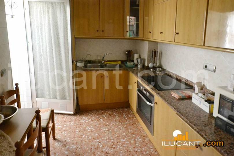 Alicante,Alicante,España,4 Bedrooms Bedrooms,2 BathroomsBathrooms,Pisos,14293
