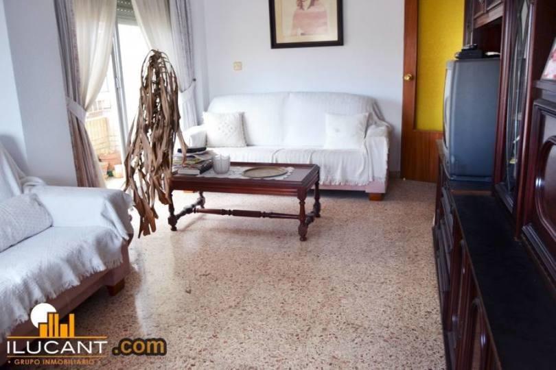 Alicante,Alicante,España,3 Bedrooms Bedrooms,1 BañoBathrooms,Pisos,14294
