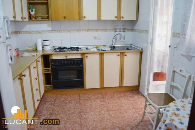 Alicante,Alicante,España,3 Bedrooms Bedrooms,2 BathroomsBathrooms,Pisos,14299