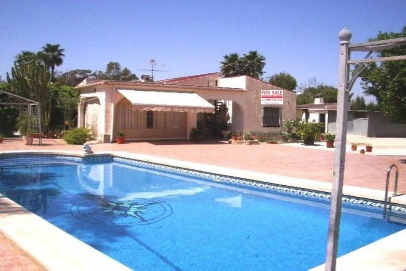 Elche,Alicante,España,3 Habitaciones Habitaciones,2 BañosBaños,Fincas-Villas,2176