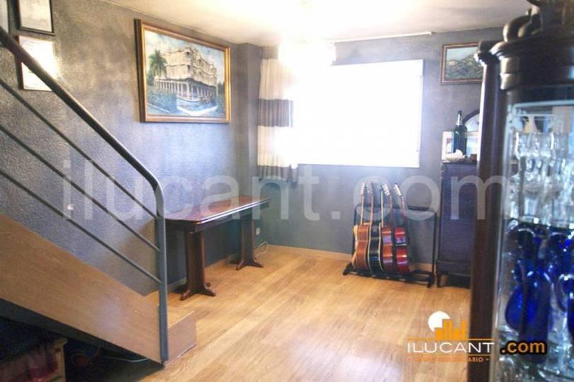 Alicante,Alicante,España,4 Bedrooms Bedrooms,2 BathroomsBathrooms,Pisos,14303