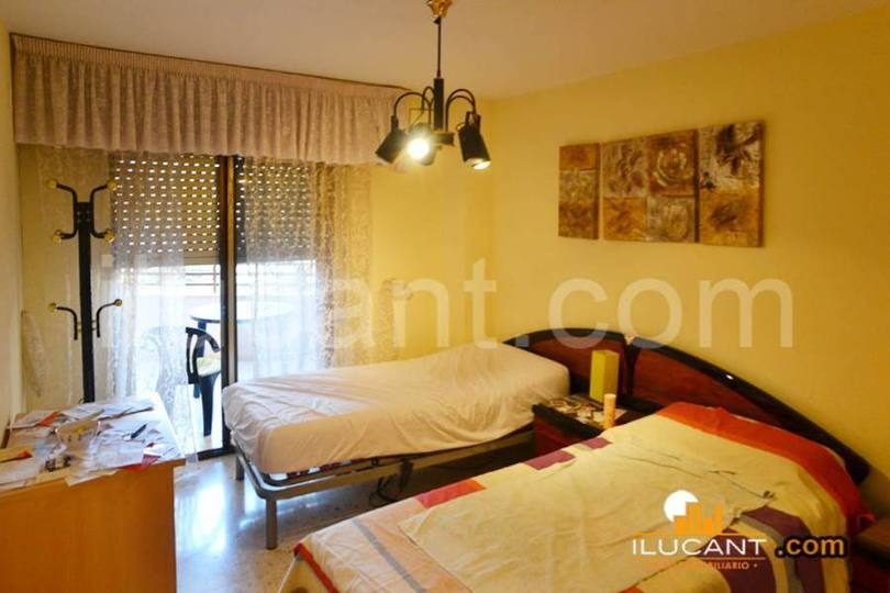 Alicante,Alicante,España,4 Bedrooms Bedrooms,2 BathroomsBathrooms,Pisos,14304