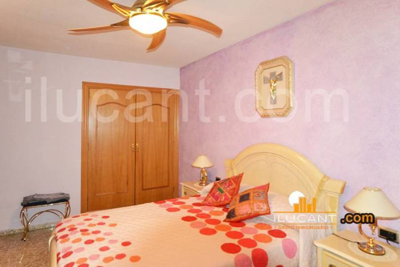 Alicante,Alicante,España,4 Bedrooms Bedrooms,2 BathroomsBathrooms,Pisos,14310