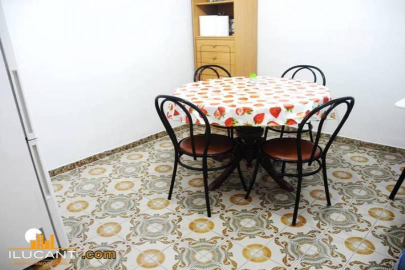Alicante,Alicante,España,3 Bedrooms Bedrooms,1 BañoBathrooms,Pisos,14312