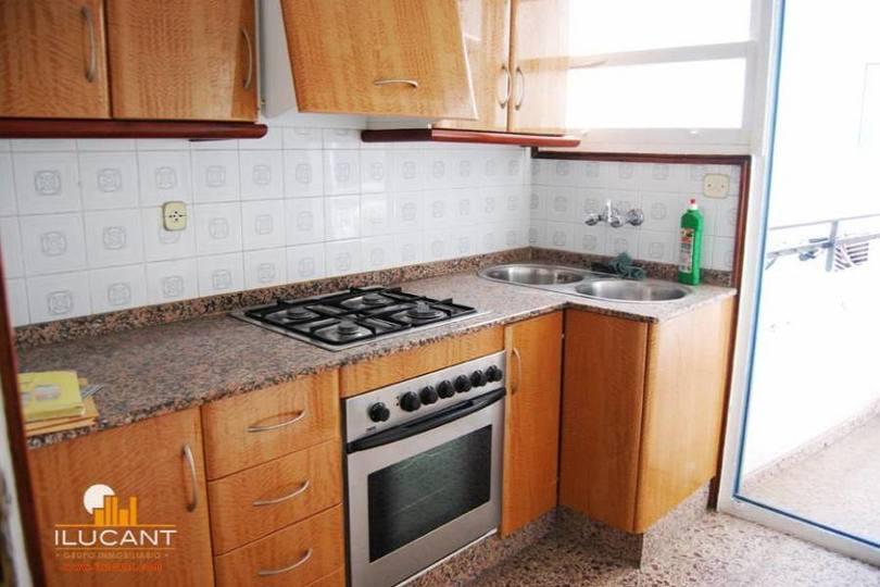 Alicante,Alicante,España,3 Bedrooms Bedrooms,1 BañoBathrooms,Pisos,14313