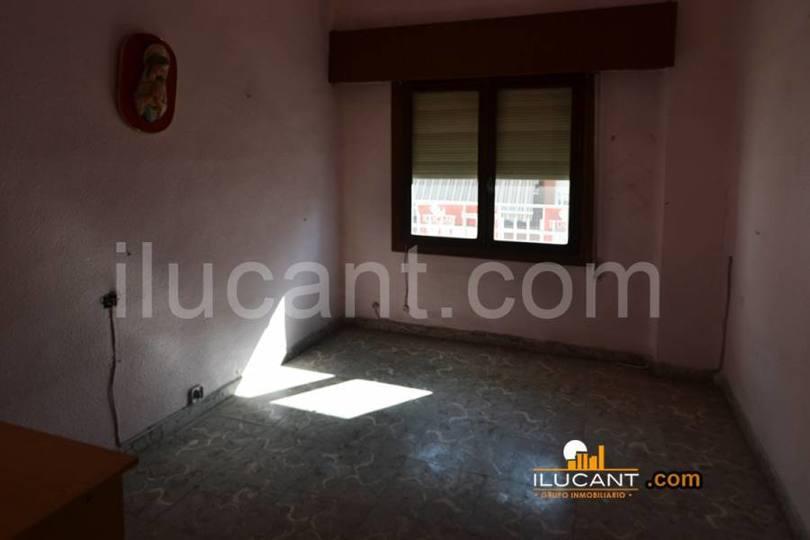 Alicante,Alicante,España,4 Bedrooms Bedrooms,1 BañoBathrooms,Pisos,14315